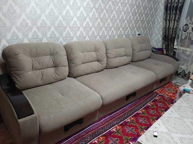 Мягкий мебель для гостиной