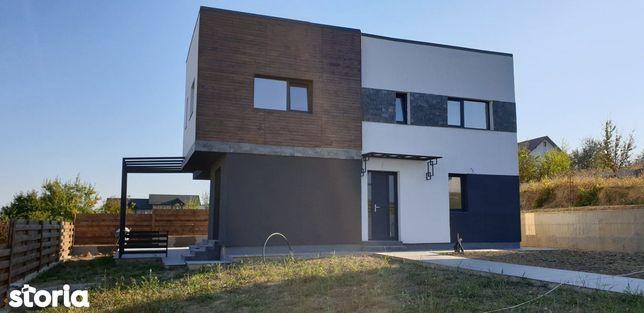 Vila moderna Rediu, 5 camere, 2 bai, 600 mp teren