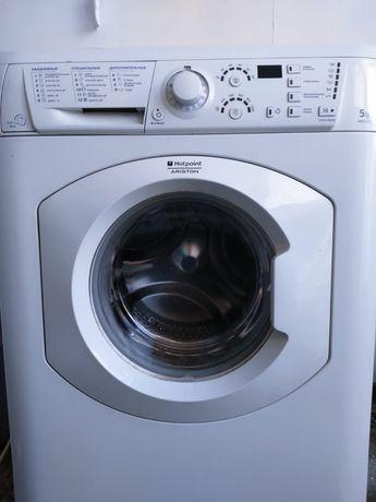 Продам стиральную машину автомат аристон машинка на 5кг