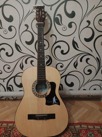 Продам гитару для новичков.