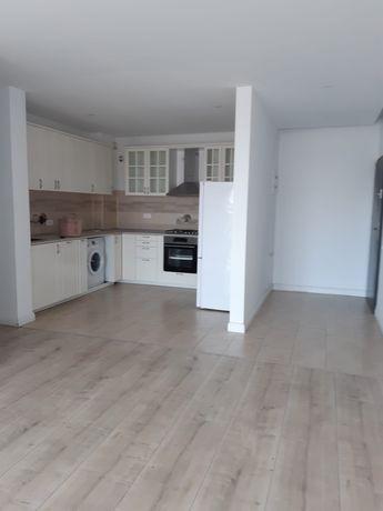 Inchiriez apartament 3 camere - Gheorghe Ionescu Sisesti