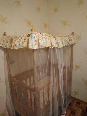 Продам кровать детскую (с люлькой)