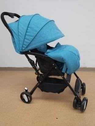 Vând cărucior bebeluși