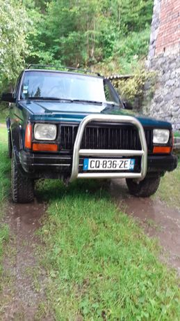 Jeep cherokee xj identic Patrol