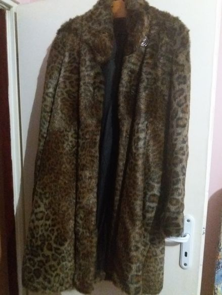 Продавам еко палто-леопардово