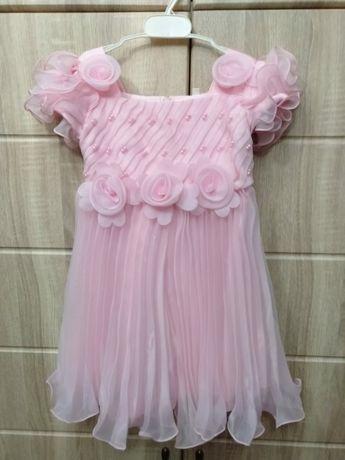 Продам платье нарядное пышное