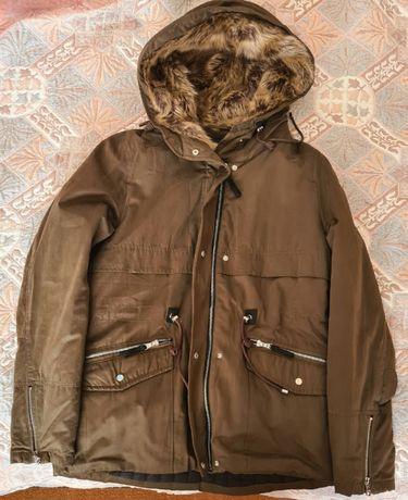 Чисто ново зимно Дамско яке Bershka размер L коментар по цената