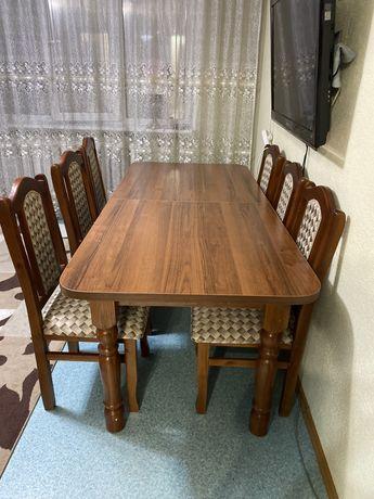 Продается стол с 6 стульями