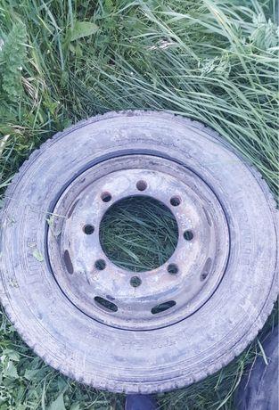 Джанта с гума 265 70 19.5 пирели