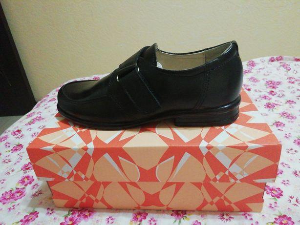 НОВЫЕ кожаные туфли UNICHEL в школу