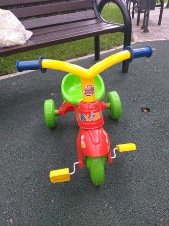 Tricicleta cu pedale pentru copii