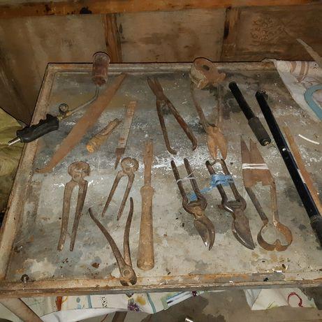 Стари инструменти