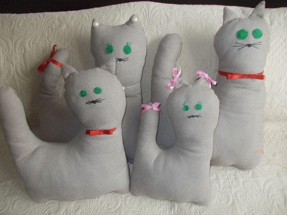 Възглавници-котки. Ръчна работа