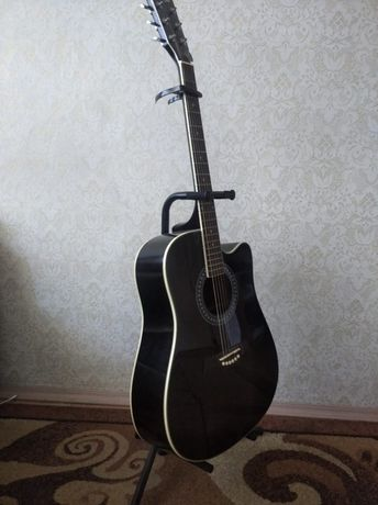 Продам : Гитара +набор.