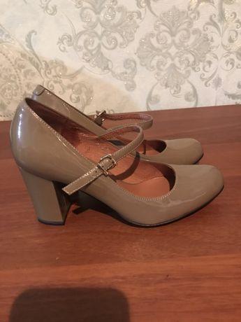 Продам туфли basconi 35-й размер