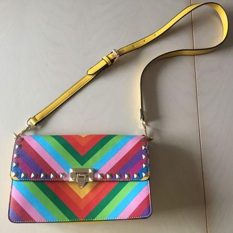 Чанта модел на Valentino