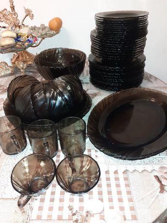 Продам посуду люминарик в хорошем состоянии находится в Кировске