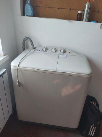 Продаю стиральную.машинку