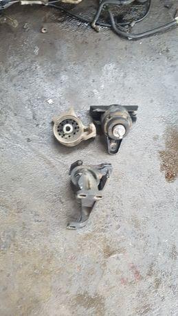 Тампони за двигателя и скоростна кутия за форд мондео 1.6 16в 90кс