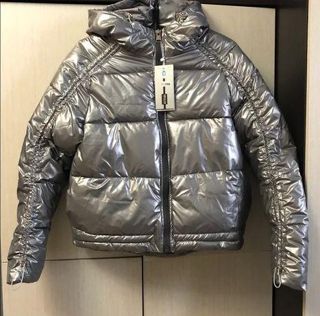 Теплая молодежная весенняя женская куртка р-р  L цвет серебристый