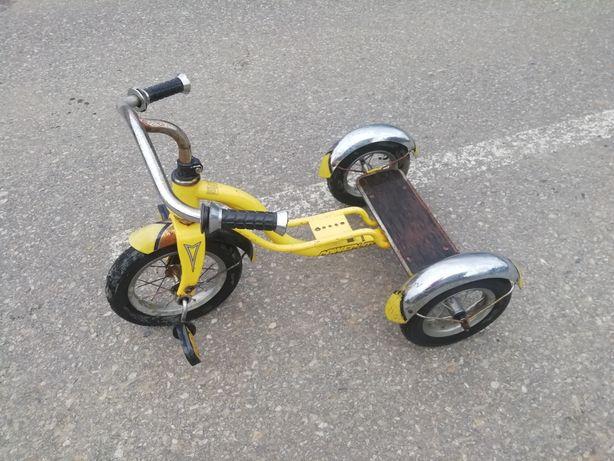 Vand bicicleta copii cu trei roti