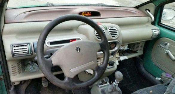 """Renault """"TWINGO"""" 94г - на части."""