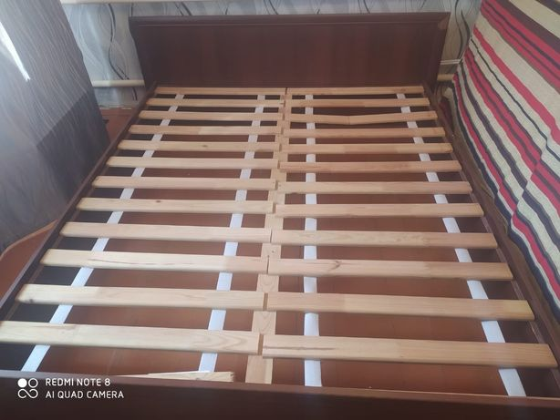 Кровать двухспальная. Без матраса