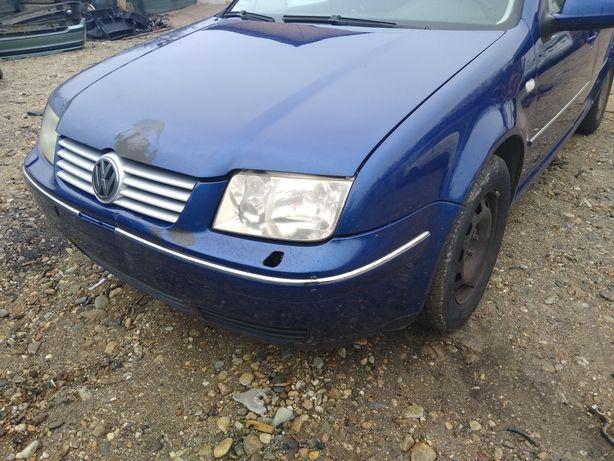 Dezmembrez Volkswagen Bora 1.6 FSI 2003