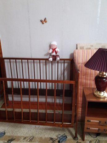 Продаеться  детская  кровать  в отличном состояний.торг уместен