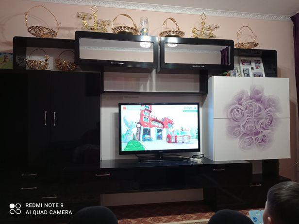 Продам качественную стенку для зала и гостиный производство Украина.
