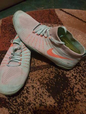 Tenisi Nike 43