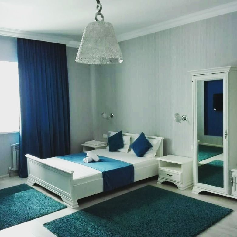 Гостиница на набережной 10000 сутки