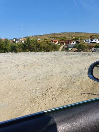 Teren de inchiriat Valea Chintaului( strada principala)