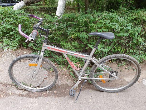 """Bicicletă MTB Everest - Shimano, 21 vit., roți 26"""", cadru cromat etc."""
