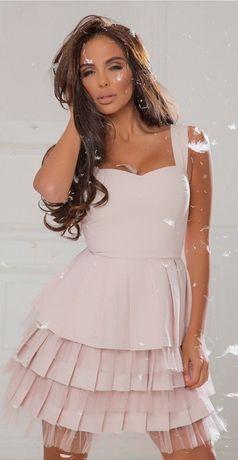 Продавам дамска рокля Mon Cher