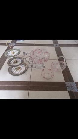 Посуда и трехярусная