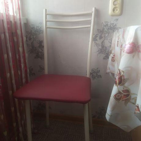 Продам стулья 4 штука