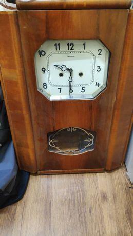 Часы янтарь очень старые СССР 67года