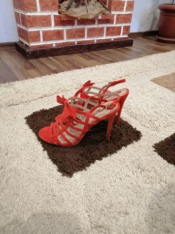 Sandale cu baretă - 37