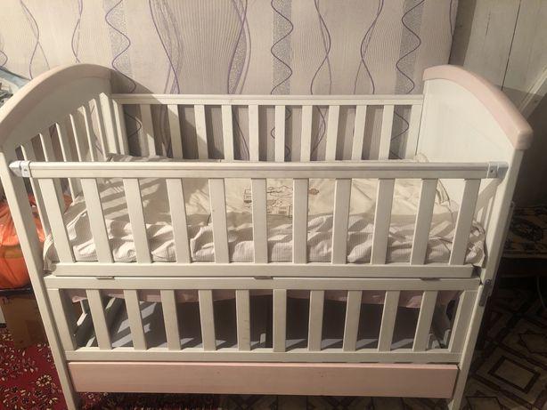 Продам Манеж-кровать для детей с рождения.