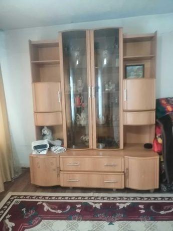 Горка мебельная в хорошем состоянии