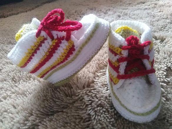Терлички бебешки, ръчно плетени