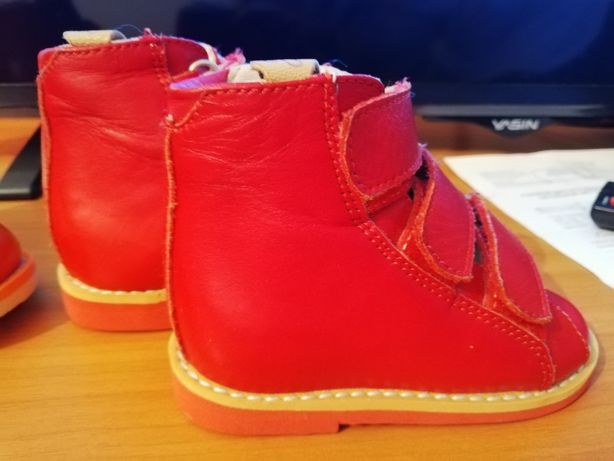 Детская кожаная ортопедическая обувь