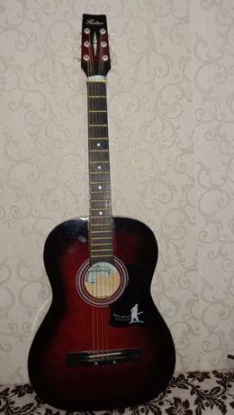 Почти новая гитара