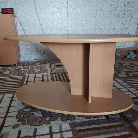 продам столик в нормальном состоянии