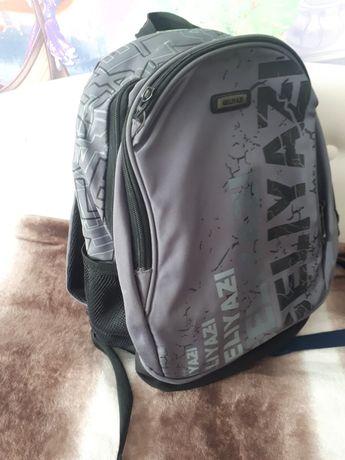 Рюкзак школьный по 2000 тг
