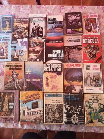 Vand cărți anticariat