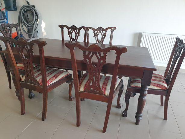 masa și scaune sculptate, lemn masiv