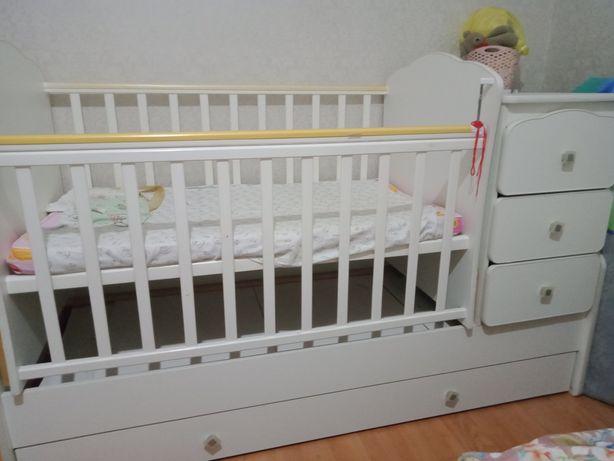 Детская кроватька
