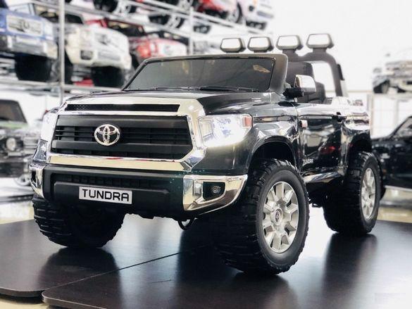 Двуместен акумулаторен джип Toyota Tundra с меки гуми, кожени седалка